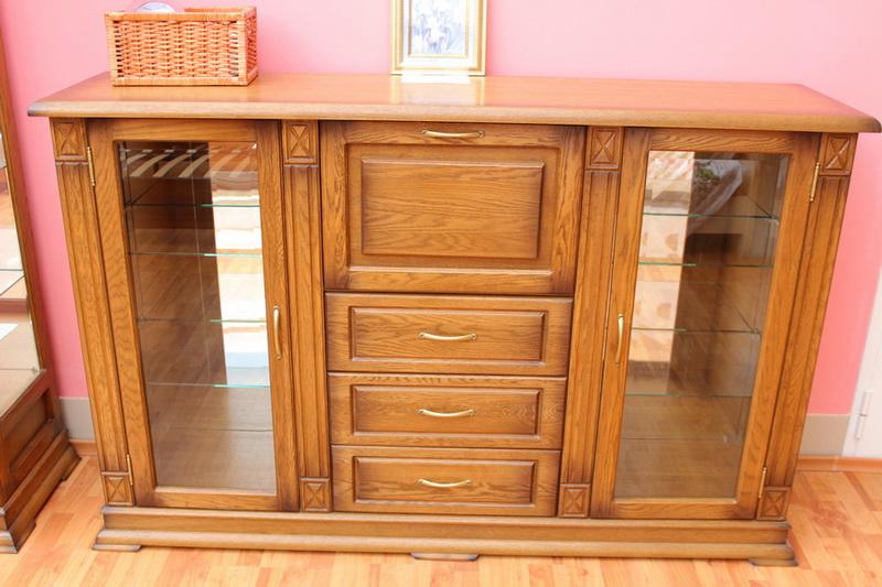 шкаф комбинированный с зеркальными дверцами и выкатными ящиками