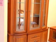 шкаф с витриной для посуды