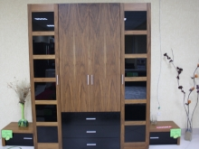 Удобный шкаф и прикроватными тумбами