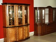Шкафы для посуды со стеклянной дверцой