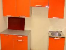 навесные шкафы и столы для кухни