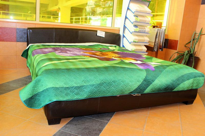 мягкие интерьерные кровати