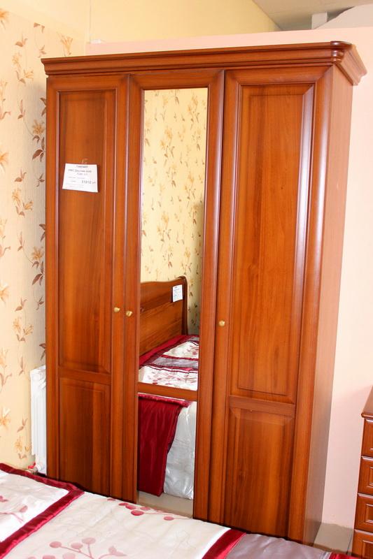 шкаф для одежды в спальню 3х-дверный