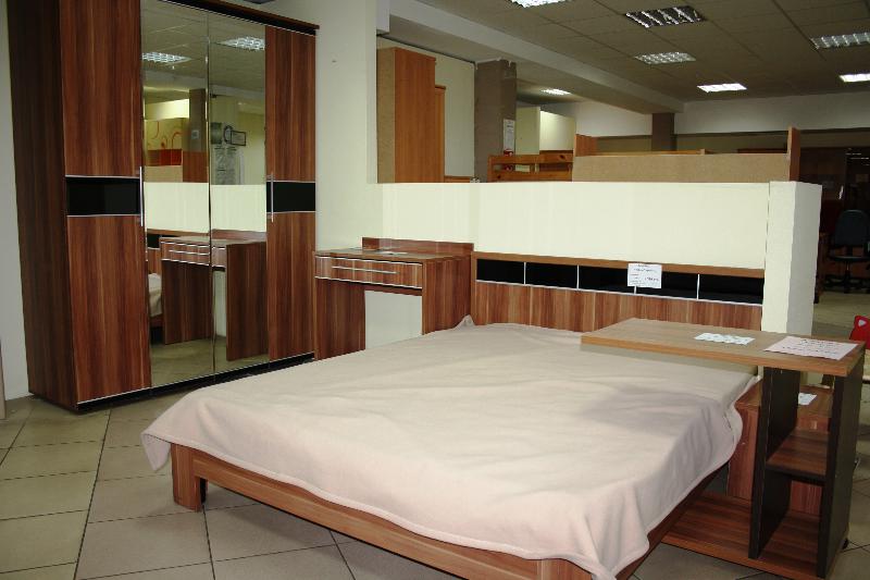 Мебель для спален в мебельном центре