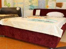 интерьерные кровати из ткани или экокожи / кожзама