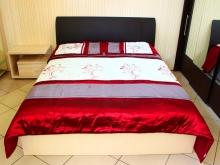 современные интерьерные кровати с мягким изголовьем