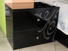 прикроватная тумбочка, глянцевое покрытие с блестками, черный глянец