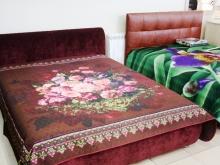 Различные интерьерные кровати с мягким изголовьем