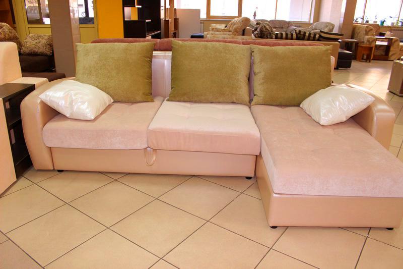 недорогие диваны с канапе и бельевым коробом