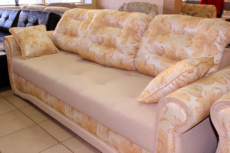 недорогие диваны и кресла