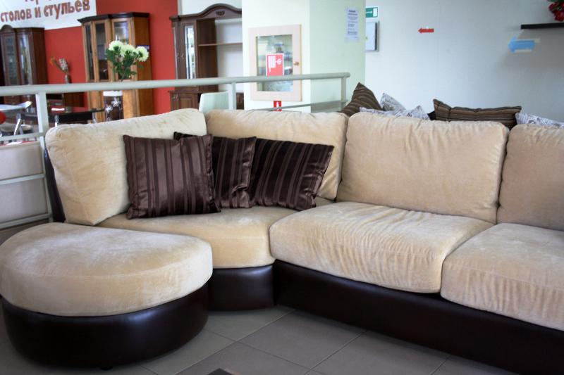 Современная красивая мягкая мебель