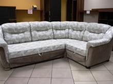 мягкий по посадке светлый удобный угловой диван