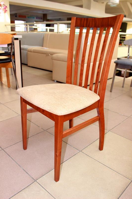 стул с мягким сидением
