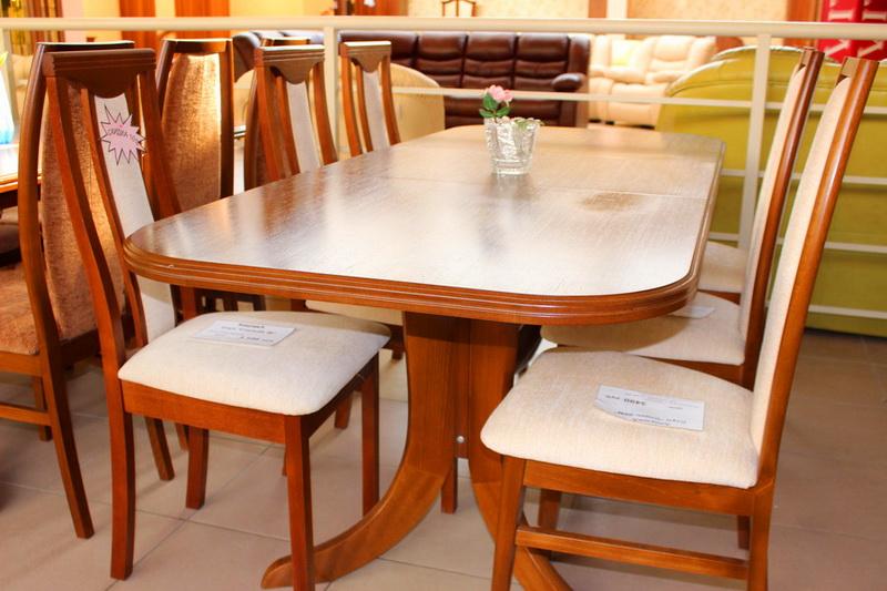 различные производители столов и стульев