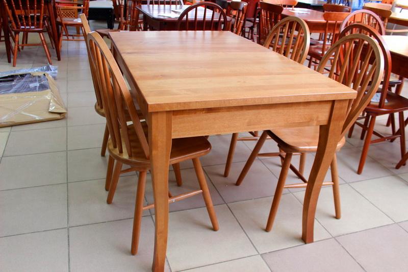 прямоугольный стол для кухни из дерева