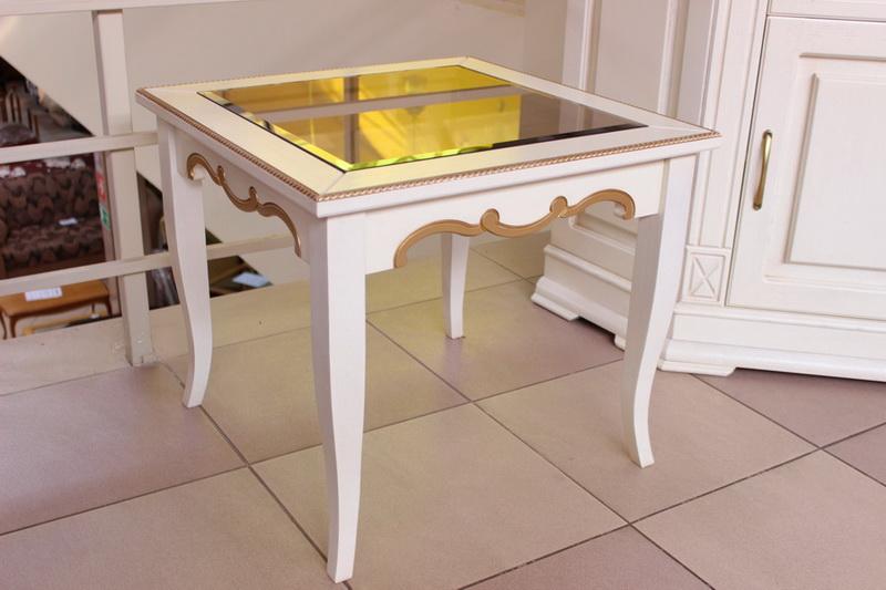 журнальный стол цвета слоновая кость со стеклом