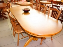 обеденные столы и стулья из массива дерева